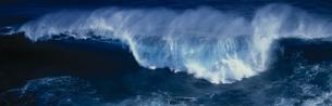 波の写真素材 [FYI03273809]