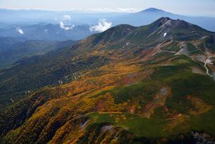 秋色の乗鞍岳の写真素材 [FYI03274138]