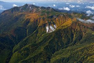 秋色の乗鞍岳の写真素材 [FYI03274139]