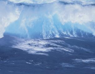波の写真素材 [FYI03274874]