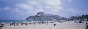 ペニスコラ城と海岸と街並の写真素材 [FYI03275267]