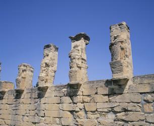 ヘルメスとヘラクレスの柱廊 キュレーネ遺跡の写真素材 [FYI03276191]