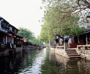 周荘鎮 運河(南北市河)の写真素材 [FYI03277277]