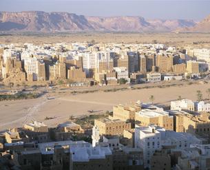 世界最古の摩天楼の町 シバム  イエメンの写真素材 [FYI03277568]