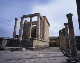 ジェミラ遺跡(神殿)の写真素材 [FYI03278083]