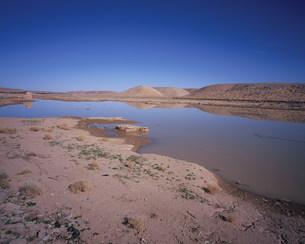ガルダイア貯水池(ムザブの谷)の写真素材 [FYI03278086]