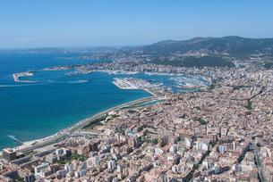 上空からのパルマ・デ・マヨルカ(マジョルカ)の街の風景の写真素材 [FYI03278640]