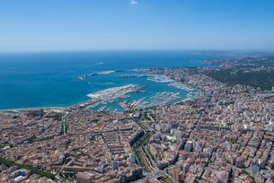 上空からのパルマ・デ・マヨルカ(マジョルカ)の街の風景の写真素材 [FYI03278641]