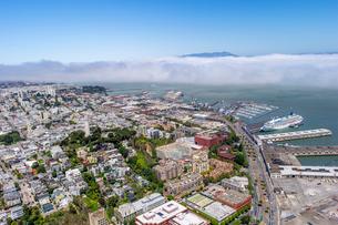 上空よりのサンフランシスコ(アメリカ)の街の風景の写真素材 [FYI03278957]