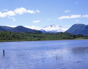 アンデスの雄峰 トロナドール山の写真素材 [FYI03279960]