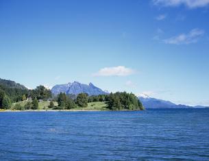 ナウエル・ウアピ湖の写真素材 [FYI03279961]