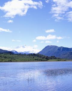 アンデスの雄峰 トロナドール山の写真素材 [FYI03279967]