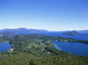 カンパナリオの丘より望む湖の写真素材 [FYI03279996]