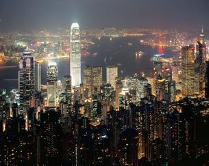 ビクトリアピ-クよりIFCビル周辺夜景 香港の写真素材 [FYI03282227]