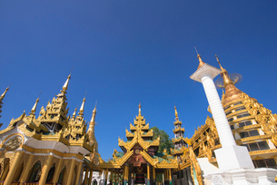ヤンゴンのシュエダゴォン・パヤーの写真素材 [FYI03285323]