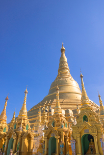 ヤンゴンのシュエダゴォン・パヤーの写真素材 [FYI03285339]