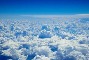 旅客機より雲海の写真素材 [FYI03285595]