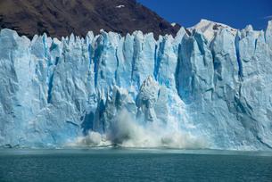 パタゴニア地方のペリト・モレノ氷河の写真素材 [FYI03285614]