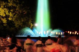 日比谷公園の盆踊り大会の写真素材 [FYI03288444]