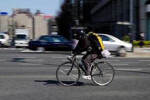 自転車便の写真素材 [FYI03288536]