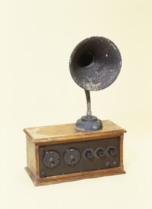 古いラジオの写真素材 [FYI03288903]