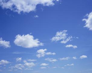 青空と雲の写真素材 [FYI03291499]