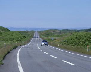 波打つ道路の写真素材 [FYI03291501]