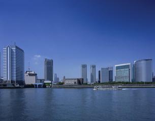 隅田川と汐留シオサイトの写真素材 [FYI03291662]
