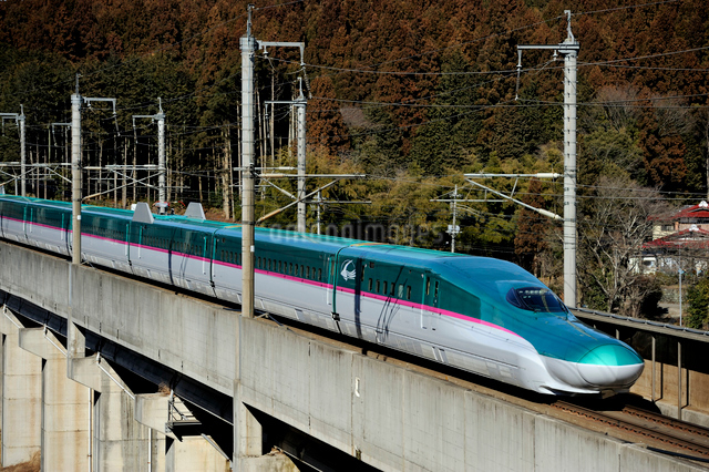 東北新幹線 はやぶさの写真素材 [FYI03292904]