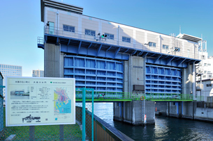 大島川水門の写真素材 [FYI03293776]