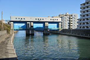 新小名木川水門の写真素材 [FYI03293799]