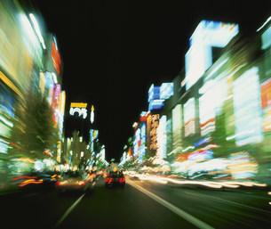 中央通りの夜景の写真素材 [FYI03297818]