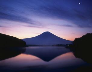 富士山と田貫湖の写真素材 [FYI03298009]
