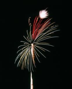 水海道市花火大会 全国選抜新作花火 ダイヤの指輪の写真素材 [FYI03298297]