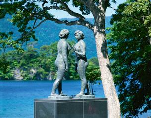 十和田湖畔の乙女の像 休屋の写真素材 [FYI03298820]