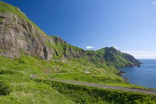 元地海岸コースより望む桃岩と猫岩の写真素材 [FYI03299513]