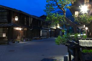中仙道 奈良井宿夜景の写真素材 [FYI03299564]