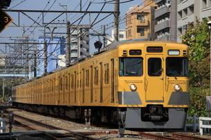 西武新宿線 高田馬場 下落合間旧 2000系の写真素材 [FYI03300968]