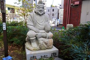 成子天神社表参道の恵比寿天の写真素材 [FYI03301196]