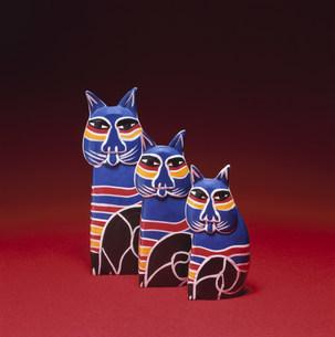 木彫の置物・ネコの写真素材 [FYI03302751]