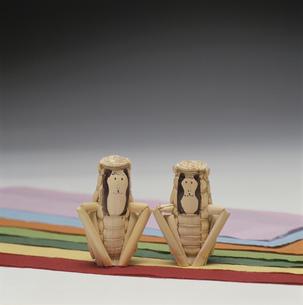 きびがら細工の猿 和紙の写真素材 [FYI03302963]