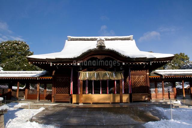 雪の城南宮本殿の写真素材 [FYI03303613]