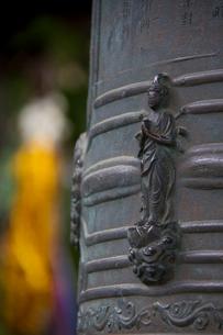 秩父三十四ヵ所 第二十三番音楽寺の銅鐘の写真素材 [FYI03303675]