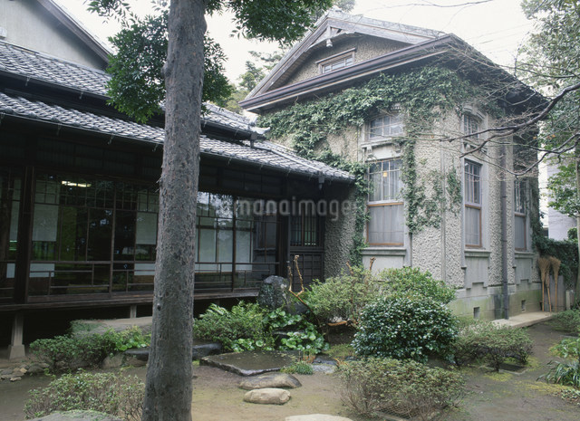 夏目漱石旧居の写真素材 [FYI03303842]