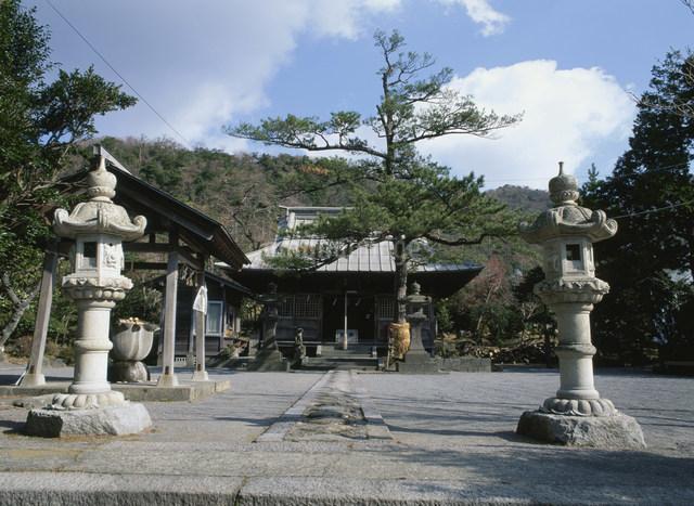 雲仙の温泉神社の写真素材 [FYI03303857]