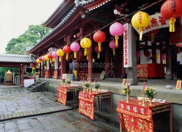 崇福寺の中国盆の写真素材 [FYI03303858]