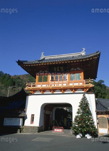 武雄温泉の楼門の写真素材 [FYI03303900]