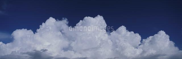 夏雲の写真素材 [FYI03304031]