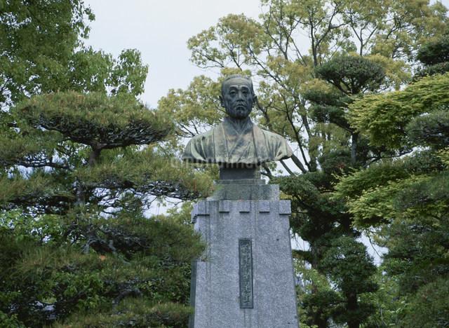 福沢諭吉銅像の写真素材 [FYI03304084]