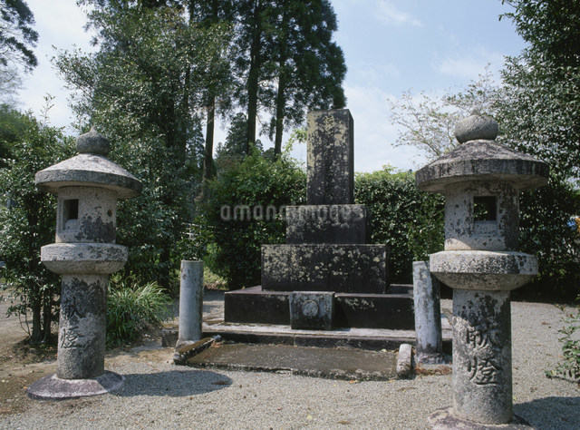 小村寿太郎の墓の写真素材 [FYI03304110]